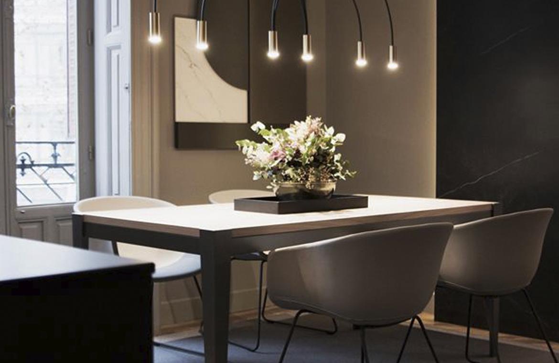 La mesa es el nexo perfecto entre la cocina y el salón. Cocina Dica.