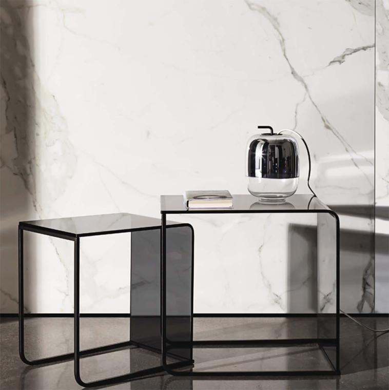 Tus aliados para dar amplitud a tu hogar. Los muebles de cristal logran crear una mayor sensación de amplitud principalmente porque aportan brillo y luz a las estancias.