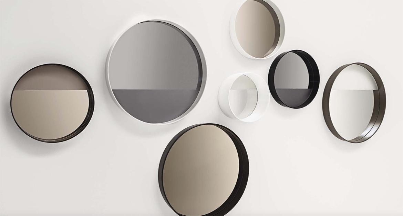 Tus aliados para dar amplitud a tu hogar. Existe una gran variedad de espejos para incorporarlos a nuestras estancias, tanto en forma como en estilo.